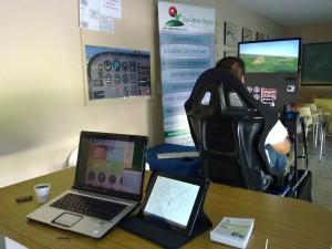 Vista de la versión base de nuestro simulador y el puesto de instructor.